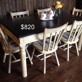 Two-tone Table and Chairs